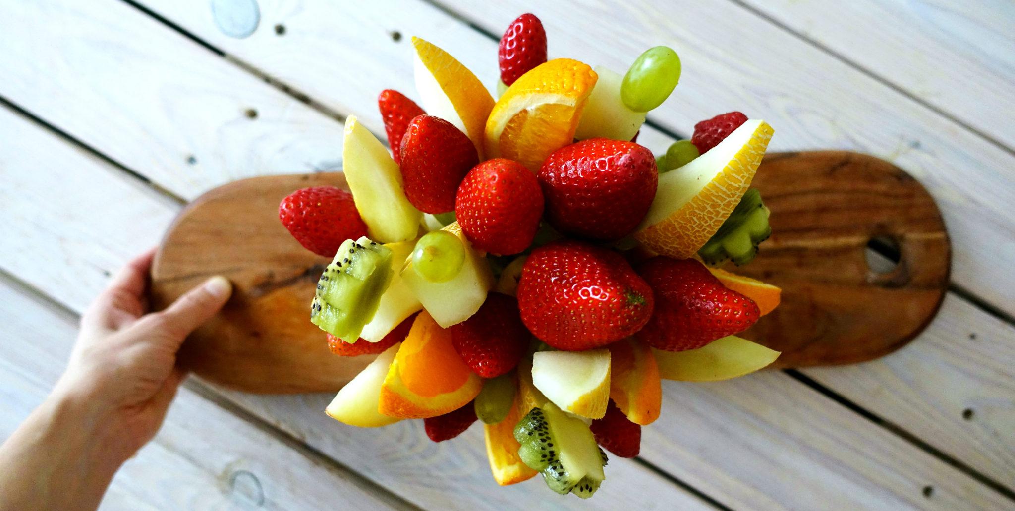 doma vyorbena ovocna kytica