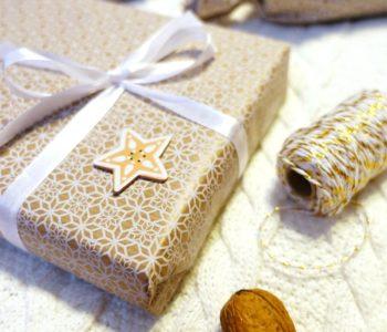 vianočné balenie darčekov